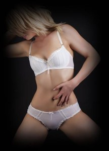 blonde escort from potts point